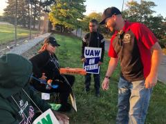 Local 43 on the GM Picket Line
